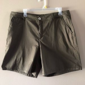 Cato Contemporary Fit Olive Green Shorts Size 16